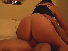 Great Round Ass Amateur Riding Nicely