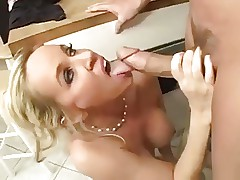 Blonde Mom hot fuck and cumeating