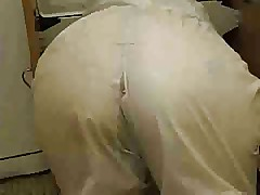 Mature lady with big ass fucking in the kitchen