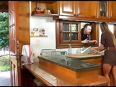 Latina Mature gets fucked in her kitchen
